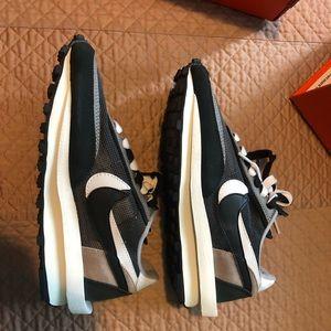 Nike sacai ldwaffle black size 6 women